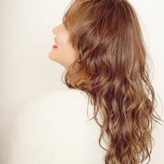 シアーベージュ モカブラウン 大人ロング 極細ハイライト ヘアスタイルや髪型の写真・画像