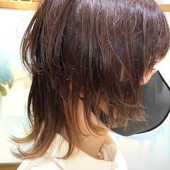 ミディアム ナチュラル ニュアンスウルフ ウルフレイヤー ヘアスタイルや髪型の写真・画像