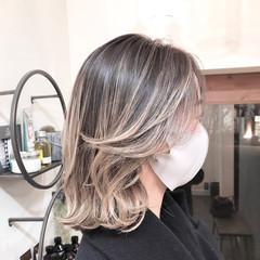 バレイヤージュ ハイトーンカラー ボブ レイヤーカット ヘアスタイルや髪型の写真・画像