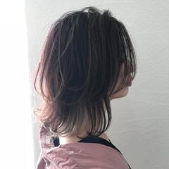 ウルフカット レイヤーカット ストリート インナーカラー ヘアスタイルや髪型の写真・画像