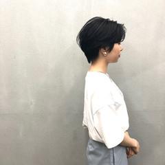 ダークグレー ショート ナチュラル ショートヘア ヘアスタイルや髪型の写真・画像