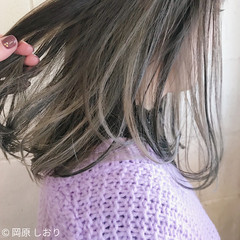 インナーカラー ミルクティーベージュ ミディアム グレージュ ヘアスタイルや髪型の写真・画像