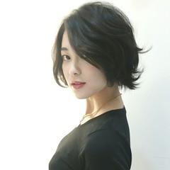 黒髪 外ハネ モード ショート ヘアスタイルや髪型の写真・画像