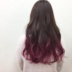 グラデーションカラー ロング ピンク 個性的 ヘアスタイルや髪型の写真・画像