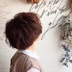 ゆるふわ マッシュ パーマ マッシュショート ヘアスタイルや髪型の写真・画像