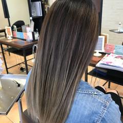 ガーリー バレイヤージュ セミロング 透明感 ヘアスタイルや髪型の写真・画像