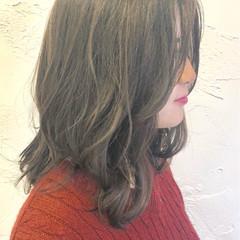 エレガント ゆるふわ ミディアム アンニュイ ヘアスタイルや髪型の写真・画像