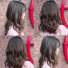 グラデーションカラー グレージュ バレイヤージュ 外国人風 ヘアスタイルや髪型の写真・画像