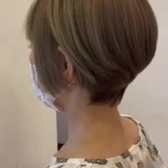 オリーブグレージュ オリーブアッシュ ショート 丸みショート ヘアスタイルや髪型の写真・画像