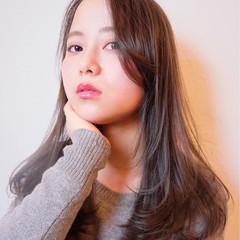 外国人風 暗髪 フェミニン ロング ヘアスタイルや髪型の写真・画像