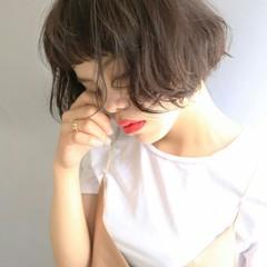 くせ毛風 大人かわいい パーマ 黒髪 ヘアスタイルや髪型の写真・画像