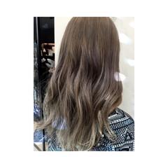 ストリート イルミナカラー アッシュベージュ ブラウン ヘアスタイルや髪型の写真・画像