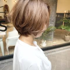 ストリート ブリーチカラー ゆるふわ アンニュイほつれヘア ヘアスタイルや髪型の写真・画像