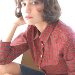 ガーリー ボブ ラフ ウェーブ ヘアスタイルや髪型の写真・画像