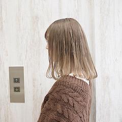 ボブ ミルクティー クリームブロンド プラチナブロンド ヘアスタイルや髪型の写真・画像