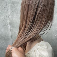 外国人風 ロング ベージュ ブリーチ ヘアスタイルや髪型の写真・画像