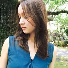 外国人風 グレージュ ゆるふわ ロング ヘアスタイルや髪型の写真・画像