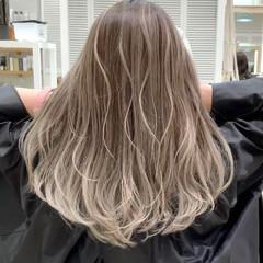 ハイトーン 秋冬スタイル 外国人風カラー ロング ヘアスタイルや髪型の写真・画像