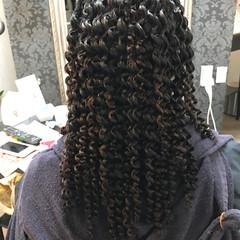 暗髪 スパイラルパーマ ストリート パーマ ヘアスタイルや髪型の写真・画像