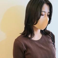 エレガント ミディアムレイヤー 韓国風ヘアー ミディアム ヘアスタイルや髪型の写真・画像