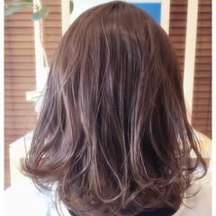 ミディアム 外国人風 ラベンダーアッシュ ストリート ヘアスタイルや髪型の写真・画像