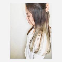 ミルクティーベージュ グラデーションカラー ハイトーンカラー インナーカラー ヘアスタイルや髪型の写真・画像