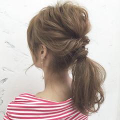 簡単ヘアアレンジ セミロング ゆるふわ フェミニン ヘアスタイルや髪型の写真・画像