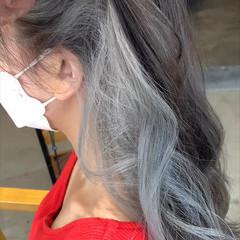 セミロング インナーカラー ナチュラル ホワイトグレージュ ヘアスタイルや髪型の写真・画像
