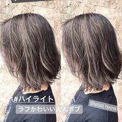 ナチュラル グレー ウェーブ ゆるふわ ヘアスタイルや髪型の写真・画像