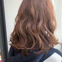 スポーツ ミディアム アンニュイ フェミニン ヘアスタイルや髪型の写真・画像