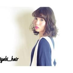 アップスタイル ミディアム ストリート ウェーブ ヘアスタイルや髪型の写真・画像