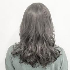 透明感 ハイトーン ロング アッシュ ヘアスタイルや髪型の写真・画像