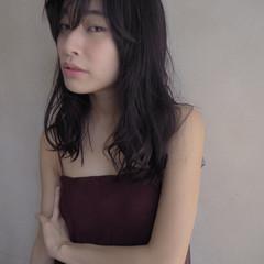 ウェーブ ロング セミロング フェミニン ヘアスタイルや髪型の写真・画像