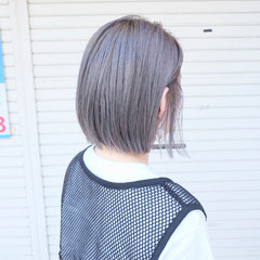 ブリーチオンカラー ボブ ショートボブ シルバー ヘアスタイルや髪型の写真・画像