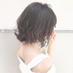 ミルクティー フェミニン アッシュ ボブ ヘアスタイルや髪型の写真・画像