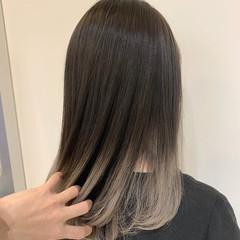 セミロング ホワイトシルバー グラデーション ホワイトベージュ ヘアスタイルや髪型の写真・画像