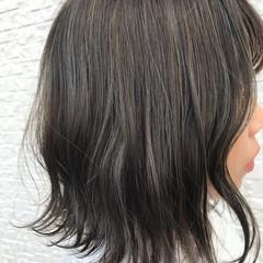 グレージュ こなれ感 ハイライト かわいい ヘアスタイルや髪型の写真・画像