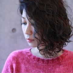 外国人風 ミディアム モード ボブ ヘアスタイルや髪型の写真・画像