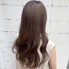 ナチュラル 透明感カラー ミルクティーベージュ ナチュラルベージュ ヘアスタイルや髪型の写真・画像