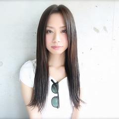 外ハネ ロング 暗髪 大人かわいい ヘアスタイルや髪型の写真・画像