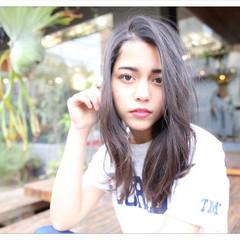 前髪あり ミルクティー フェミニン セミロング ヘアスタイルや髪型の写真・画像