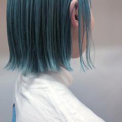 ストリート ターコイズブルー ボブ 切りっぱなしボブ ヘアスタイルや髪型の写真・画像