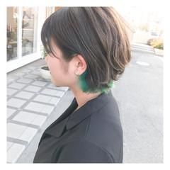 インナーカラー 切りっぱなし ボブ ハイライト ヘアスタイルや髪型の写真・画像