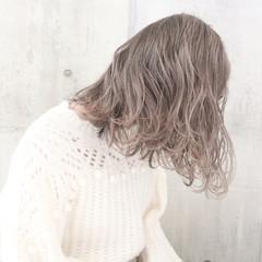 ミルクティーグレージュ ナチュラル 外国人風カラー ミディアム ヘアスタイルや髪型の写真・画像