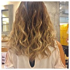 グラデーションカラー 大人かわいい ゆるふわ ストリート ヘアスタイルや髪型の写真・画像
