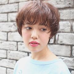 ショートボブ 耳かけ 小顔 マッシュ ヘアスタイルや髪型の写真・画像