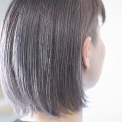 シルバーアッシュ ホワイトシルバー シルバーグレー シルバー ヘアスタイルや髪型の写真・画像