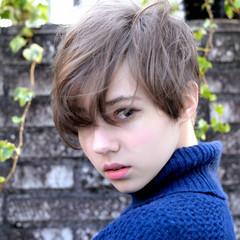 ショート パーマ 前髪あり ナチュラル ヘアスタイルや髪型の写真・画像