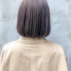 切りっぱなしボブ ナチュラル ストレート ロブ ヘアスタイルや髪型の写真・画像