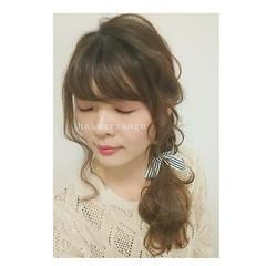 シニヨン ナチュラル セルフヘアアレンジ ヘアアレンジ ヘアスタイルや髪型の写真・画像